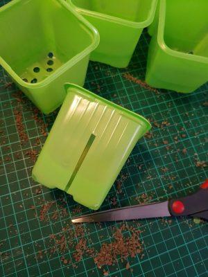 Jeg klipper riller i potterne